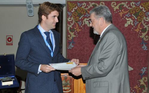 """Nuestro Centro recibe el premio """"Antonio Torres"""" del IV Congreso Nacional de I+D en Defensa y Seguridad"""