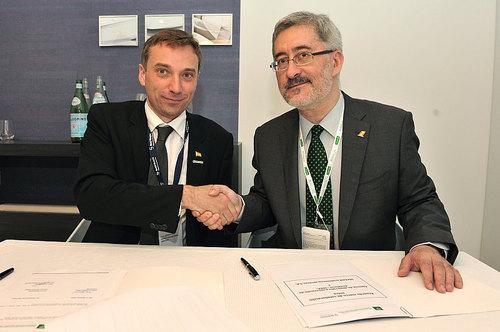 CATEC se adjudica en Le Bourget un contrato para desarrollar junto a la compañía Safran un banco de ensayos para el mando de gases del avión A350-XWB