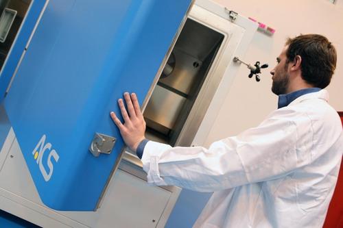 Cámara climática para la realización de ensayos de altitud y acondicionamiento de materiales