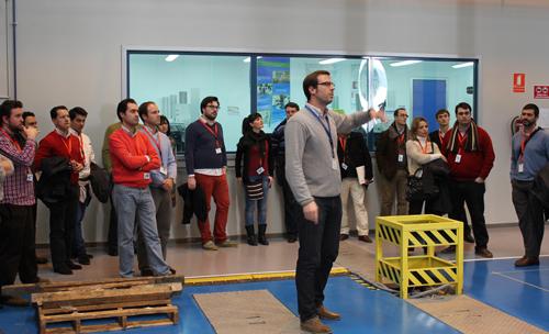 Un grupo de directivos y profesionales del sector aeronáutico andaluz visitan las instalaciones de CATEC