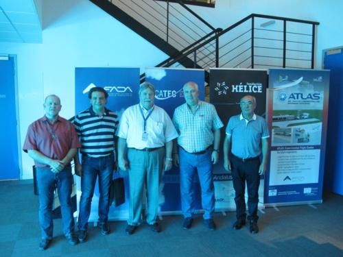 El máximo responsable del programa del nuevo avión de Airbus A350 XWB visita las instalaciones de CATEC