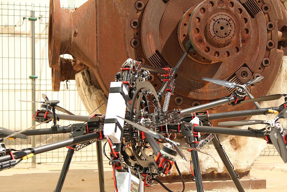 CATEC desarrolla una tecnología pionera a nivel mundial para realizar inspecciones industriales por contacto mediante el uso de UAS