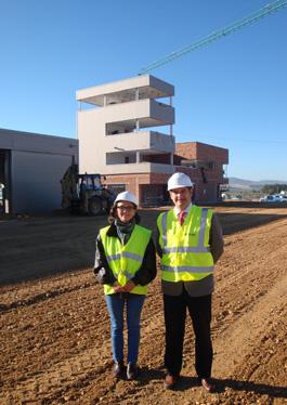 La directora de Aeropuertos de la Junta de Andalucía visita las obras de construcción del Centro ATLAS