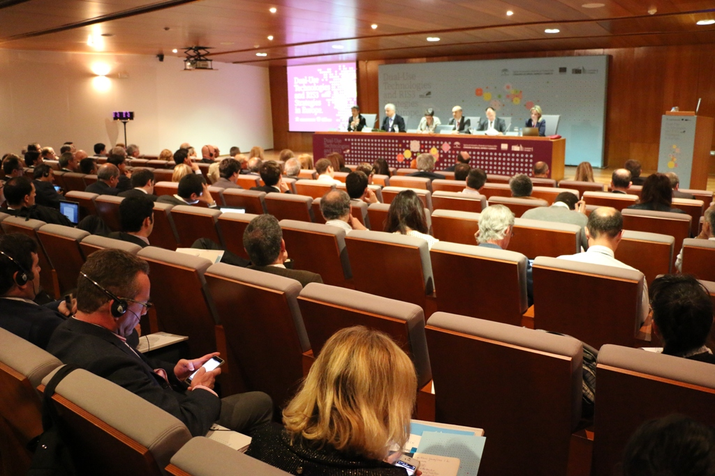Empresas españolas y andaluzas presentan sus tecnologías de doble uso y analizan las oportunidades de colaboración en un congreso internacional en Sevilla