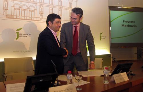 FADA y la Diputación de Jaén desarrollarán un proyecto piloto para vigilar explotaciones agrícolas con aviones no tripulados